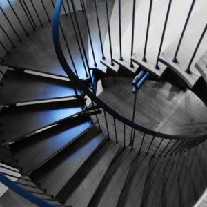 Escalier ni rond & carré – LES PETITS CARRÉS